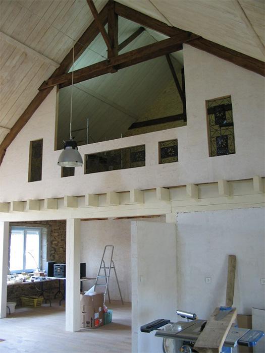 La maison durable parement int rieur en volige - Fermeture mezzanine verre ...
